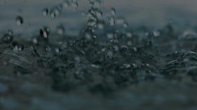 Daling, de achtergrond van regendalingen stock footage
