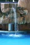 Dalingen van pool stock fotografie