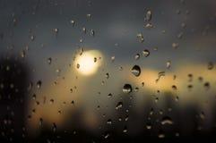Dalingen van regen op venster Royalty-vrije Stock Fotografie