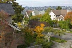 Dalingskleuren in een woonwijk Seattle WA. stock afbeelding