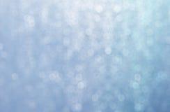 Dalingswater en bokeh abstract blauw als achtergrond Stock Foto's