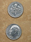 Dalla serie: monete del mondo. L'America. UNA MONETA DA DIECI CENTESIMI DI DOLLARO. Fotografie Stock