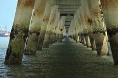 Dalla vista dal basso il molo di Shell a porta Dickson Fotografie Stock