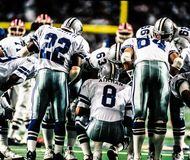Dallas Cowboys Huddle foto de stock