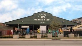 Dallas Farmers Market avec six sculptures en métal, Dallas, le Texas photos libres de droits
