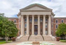 Dallas Hall en el campus de la universidad de methodist meridional imagenes de archivo