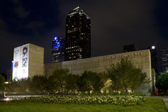 Dallas Museum delle scene di notte di arte immagine stock libera da diritti