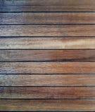 Dalle en bois naturelle légèrement utilisée de parquet d'obscurité Photo libre de droits