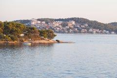 Dalmatinische Küstenlinie, Trogir, Kroatien Lizenzfreie Stockbilder