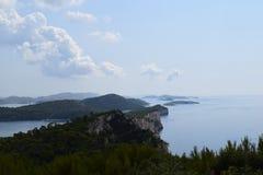 Dalmatische kustklippen Stock Afbeelding