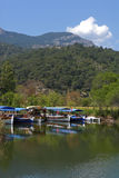 Dalyan flod (Turkiet) - nöje-fartyg Royaltyfria Foton