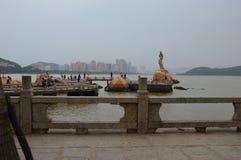Dam av Hai Zhu Statue fotografering för bildbyråer