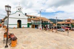 Dam av radbandkyrkan av Paipa Colombia royaltyfri fotografi