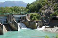 Dam bij middag in Sabiñanigo-stad, Spanje Stock Fotografie