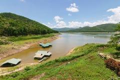 Dam en reservoir in Thailand Royalty-vrije Stock Afbeelding