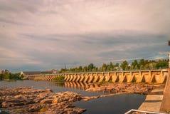Dam en sloten in Oulu Royalty-vrije Stock Foto's