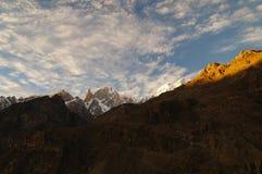 Dam Finger i solnedgång, nordliga Pakistan Royaltyfria Bilder