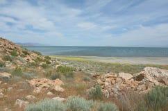 Dam Finger Point Trail och Great Salt Lake Royaltyfria Bilder