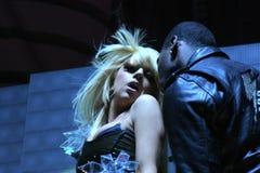 Dam Gaga som direkt utför på O2en i London Royaltyfri Foto