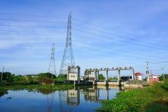 Dam in land Chachoengsao Thailand Stock Afbeelding