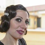 Dam med hår i retro stil Royaltyfri Foto