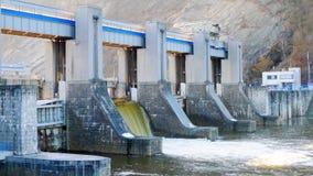 Dam op de rivier Royalty-vrije Stock Afbeeldingen