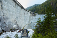 Dam in the mountains Royalty Free Stock Photos