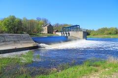 Dam op de rivier Stock Afbeelding
