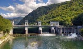 Dam op de Serchio-rivier Stock Afbeelding