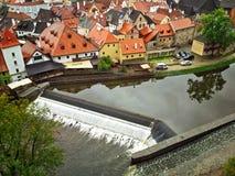 Dam op Vltava-Rivier in Cesky Krumlov Royalty-vrije Stock Foto's