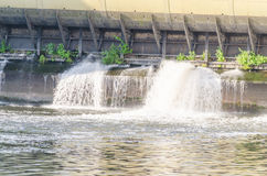 Dam oude hydro-elektrische elektrische centrale Stock Foto