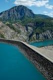 Dam serre-Ponçon (Alp Frankrijk) royalty-vrije stock foto's