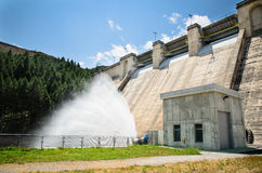 Dam spreading water Royalty Free Stock Photography
