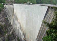 Dam in Val Verzasca (Tessin - Zwitserland) Royalty-vrije Stock Foto's