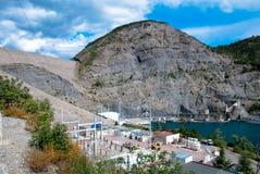 Dam van Versperring serre-Ponçon, zuidoostenFrankrijk. Royalty-vrije Stock Afbeeldingen