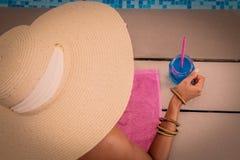 Dam Wearing Summer Hat arkivfoto