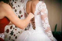 Dama de honra e noiva Fotografia de Stock Royalty Free