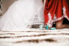 Dama de honra e noiva Fotos de Stock Royalty Free