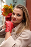 Dama - jesieni outdoors portret Fotografia Stock