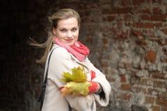 Dama - jesieni outdoors portret Obraz Stock
