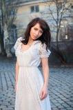 Dama w biel sukni Zdjęcia Royalty Free