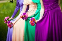 Damas de honor en la boda imagen de archivo libre de regalías