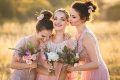 Damas de honor jovenes hermosas Imagen de archivo libre de regalías
