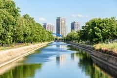 Dambovita河在布加勒斯特 库存照片