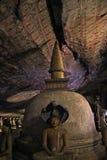 Dambulla洞寺庙的内部在斯里兰卡 免版税库存图片