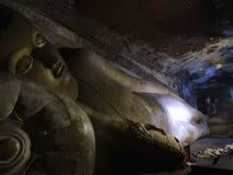 Золотой висок Dambulla место всемирного наследия и имеет итог итога 153 статуй Будды, 3 статуй шриланкийск стоковые фото