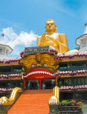Dambulla, Sri Lanka - 30 de abril de 2009: Templo da caverna do ` dos budistas Fotografia de Stock
