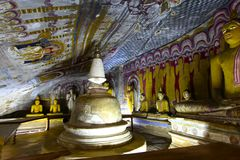 Dambulla洞Stupa和Buddhas,斯里兰卡 免版税图库摄影