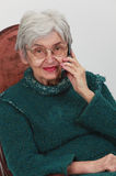Dame âgée au téléphone Photo libre de droits