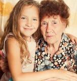 Dame âgée avec l'arrière-petit-fils Photo libre de droits